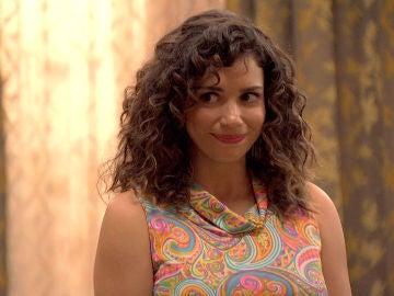 Amelia le promete a Natalia guardar su secreto, ¿a cambio de algo?