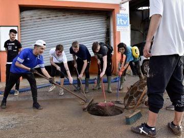 Voluntarios en Sant Llorenç