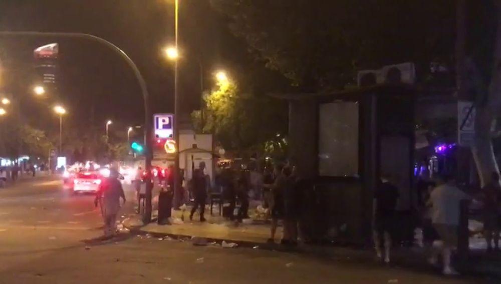 Cargas policiales en Sevilla contra los 'hooligans' antes del España - Inglaterra