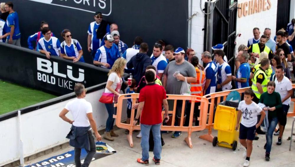 Aficionados del Hércules denuncian que el Valencia se negó a vender localiades a los nacidos en Alicante