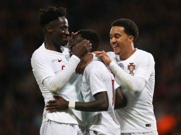 Portugal celebra un gol