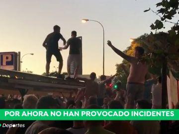 Los 'hooligans' toman Sevilla antes del España - Inglaterra: ebrios desde primera hora de la tarde