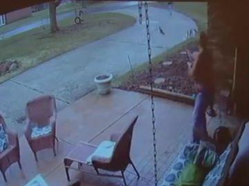 Un hombre dispara contra un joven afroamericano que preguntaba por una dirección
