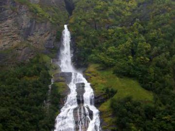 Diseño y paisajes entre fiordos: así son las carreteras panorámicas de Noruega