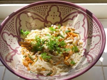 noodles con verduras y setas