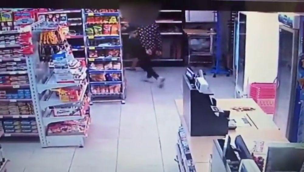 El juez decreta libertad con cargos para los autores del robo en un supermercado en Tarragona