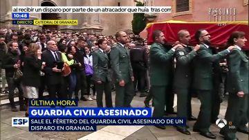 La familia del guardia civil tiroteado en Granada, hundida por el dolor en el funeral de Estado del agente