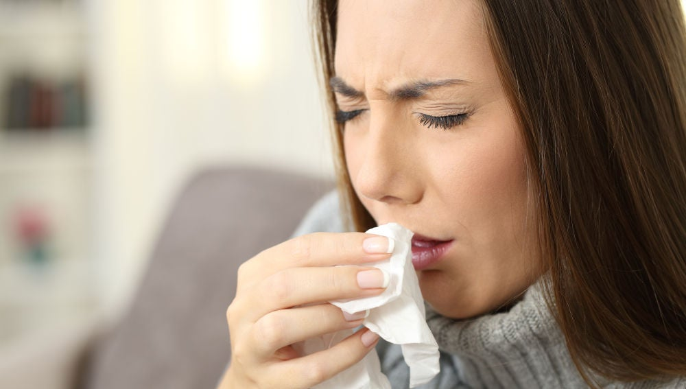 Joven con problemas de tos