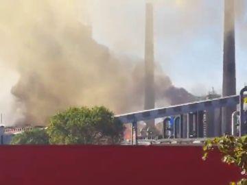 REEMPLAZO: Declarado un incendio en la fábrica de ArcelorMittal en Avilés
