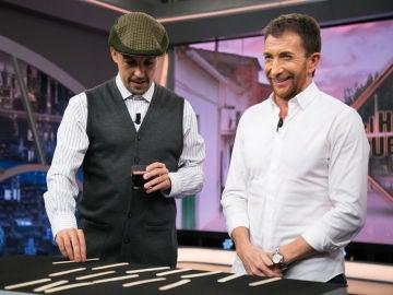 Don Rogelio, campeón mundial de 'El juego de los quince palos'