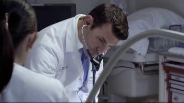 Emiratos Árabes ofrece 14 mil euros al mes y alojamiento a los médicos