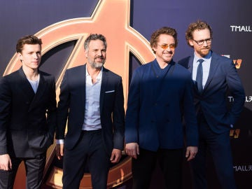 Tom Holland, Mark Ruffalo, Robert Downey Jr. y Tom Hiddleston
