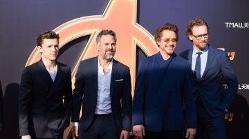 Tom Holland, Mark Ruffalo, Robert Downey Jr. y Tom Hiddleston