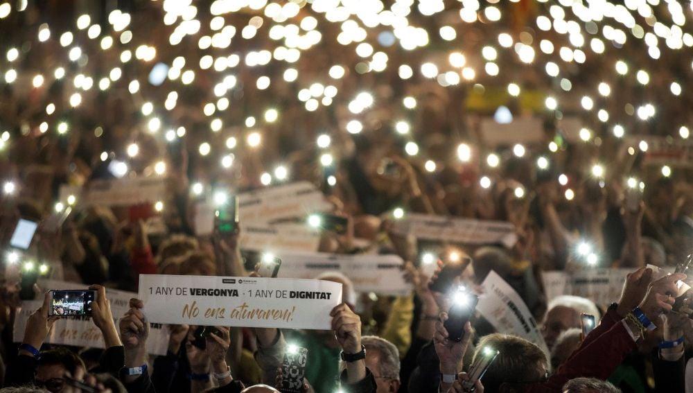 Vista de la concentración 'Un año de vergüenza, un año de dignidad' convocada por la ANC y Ómnium