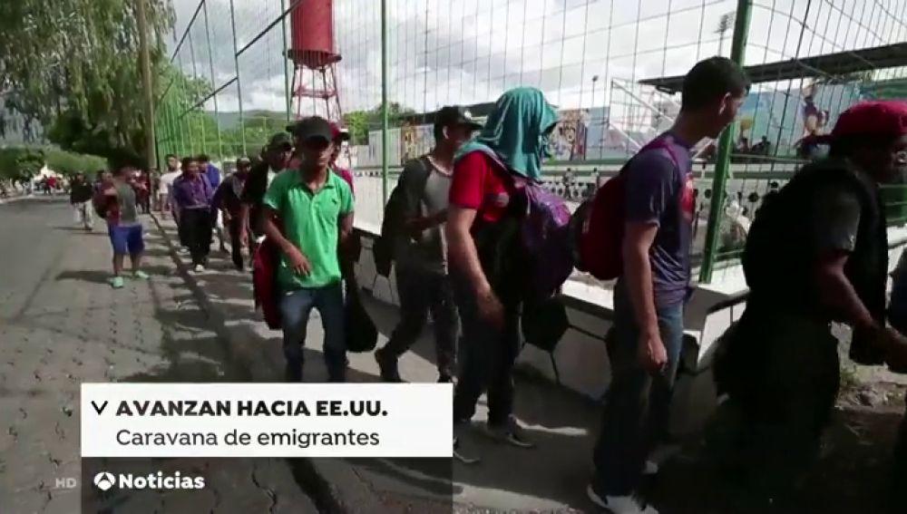Una caravana de hondureños inicia su ruta para llegar a Estados Unidos