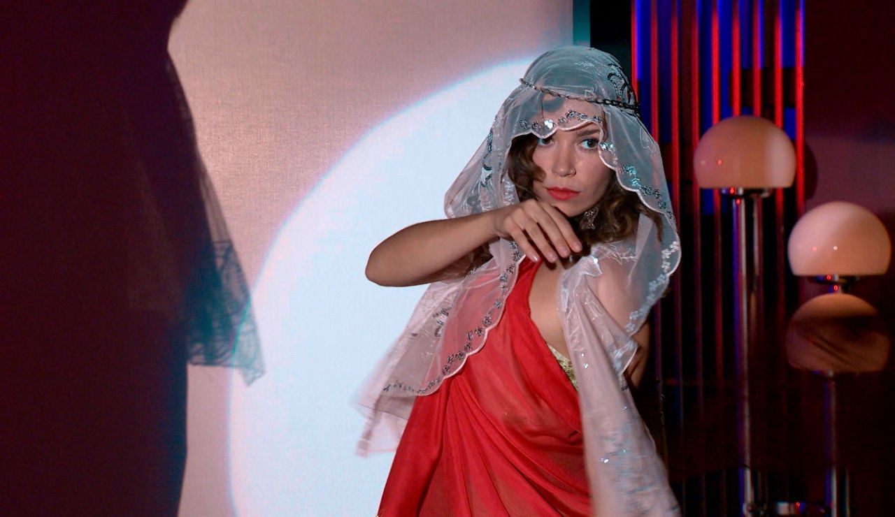 Luisita y Amelia, protagonizan uno de los números más sexis del King's