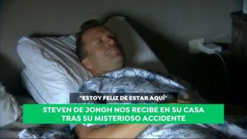 """Steven De Jongh recibe a Antena 3 en su casa tras su misterioso accidente: """"Estoy feliz"""""""