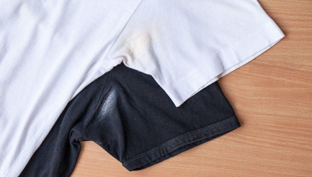 Camisetas con mancha de desodorante