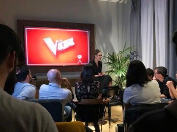Eva González en su encuentro con la prensa
