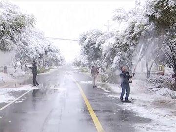 Una tormenta de nieve azota la región de Xinjiang