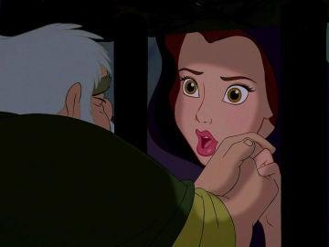 Bella y su padre en 'La Bella y la Bestia'
