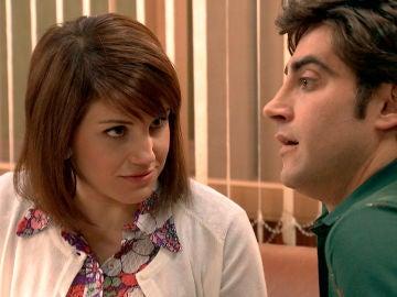 """Nieves le abre los ojos a Álvaro: """"Carolina está coladita por ti"""""""