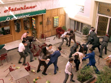 Estalla una revuelta en la Plaza de los Frutos