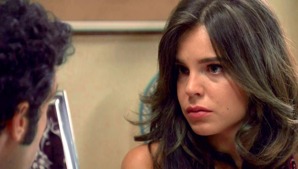 María trata de reconciliarse con Ignacio que solo ve en separarse la única opción