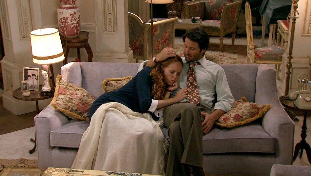 Natalia, dormida en brazos de Gabriel tras un íntimo momento