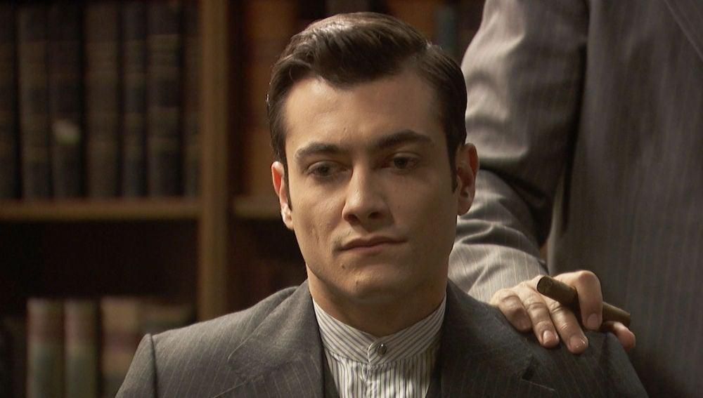 Fernando pide a Prudencio que eche a Julieta y Saúl de La Casona