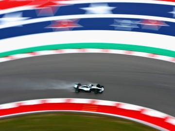Hamilton rueda en el circuito de Austin