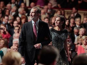 Felipe VI homenajea a la Constitución