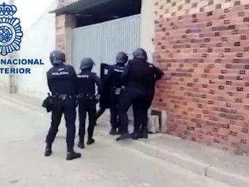 Operación de la Policía Nacional y la Policía Federal Alemana para esclarecer la participación de radicales en los disturbios de la cumbre del G-20