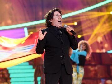 José Corbacho le canta al mundo 'Aquarius' como Raphael