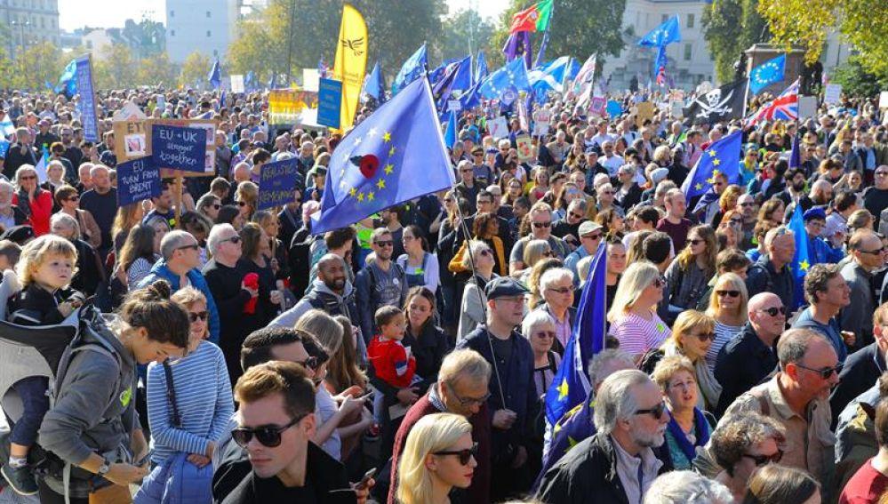 Miles de personas marchan en Londres para exigir un segundo referéndum sobre el 'brexit'