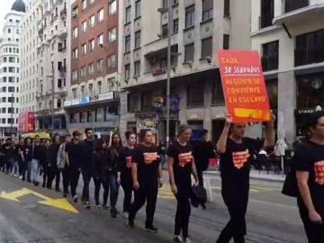 300 personas caminan por Madrid para abolir la esclavitud