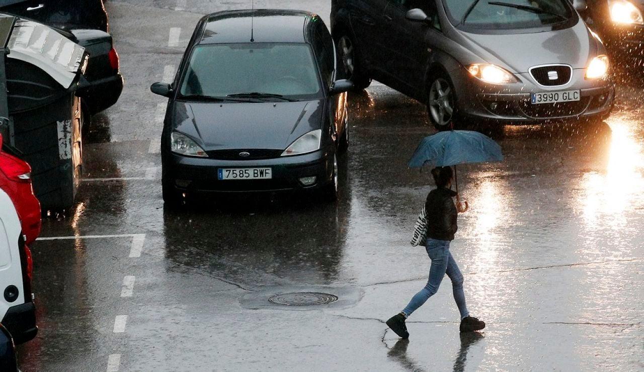Media España en alerta naranja y amarilla por viento y lluvia
