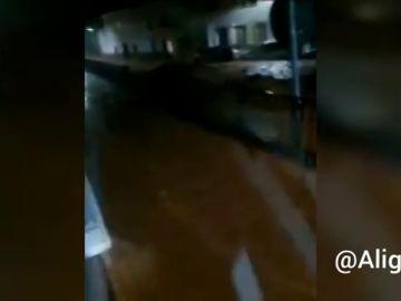 Las fuertes lluvias sorprenden a los vecinos en Campillos, en Málaga