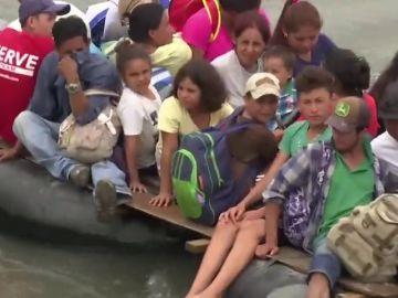 Cientos de migrantes de la 'caravana' regresan a sus países de origen ante el cierre de las fronteras