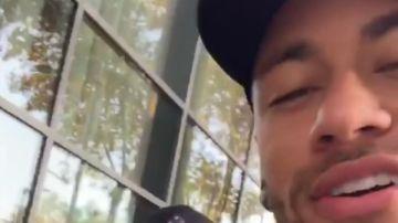 Neymar, en Barcelona junto a Arthur Melo