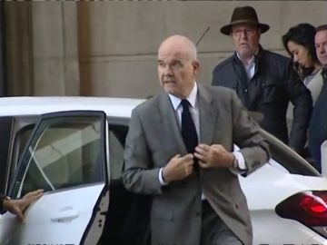 Fiscalía mantiene su acusación contra Chaves y Griñán en los ERE y excluye a uno de los 22 ex altos cargos