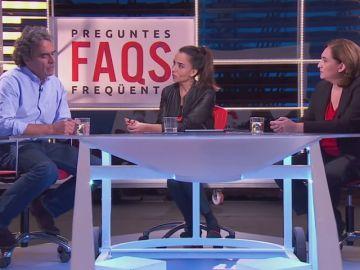 La surrealista entrevista al exalcalde de Medellín en TV3 con Ada Colau como traductora del catalán
