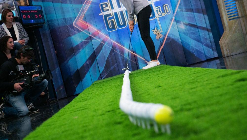 Euforia en 'El Hormiguero 3.0' tras conseguir un complicado efecto mariposa con pelotas de golf