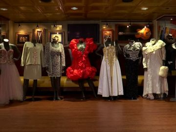 Se venden prendas de ropa de la artista Aretha Franklin