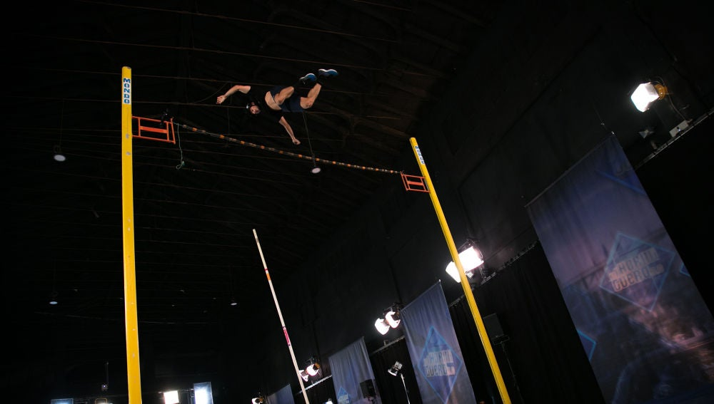 Pablo Motos y Rami Malek, sorprendidos con el excepcional salto de pértiga de Baptiste Boirie_VIDEO