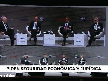 Los empresarios reprochan a Pedro Sánchez que toma medidas sólo a corto plazo