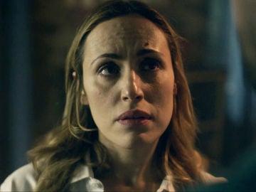 """Elena pide explicaciones a Jon por su actitud agresiva: """"¿Te estabas acostando conmigo?"""""""