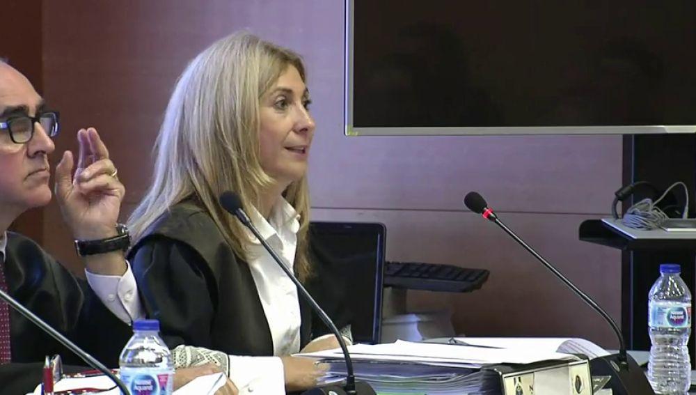"""La fiscal pide al jurado popular que no sienta """"temor"""" para castigar al asesino de Pioz sea """"con la prisión permanente revisable"""""""