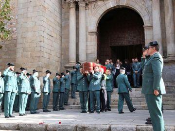 Silencio y tristeza en el adiós al guardia civil fallecido en Don Benito