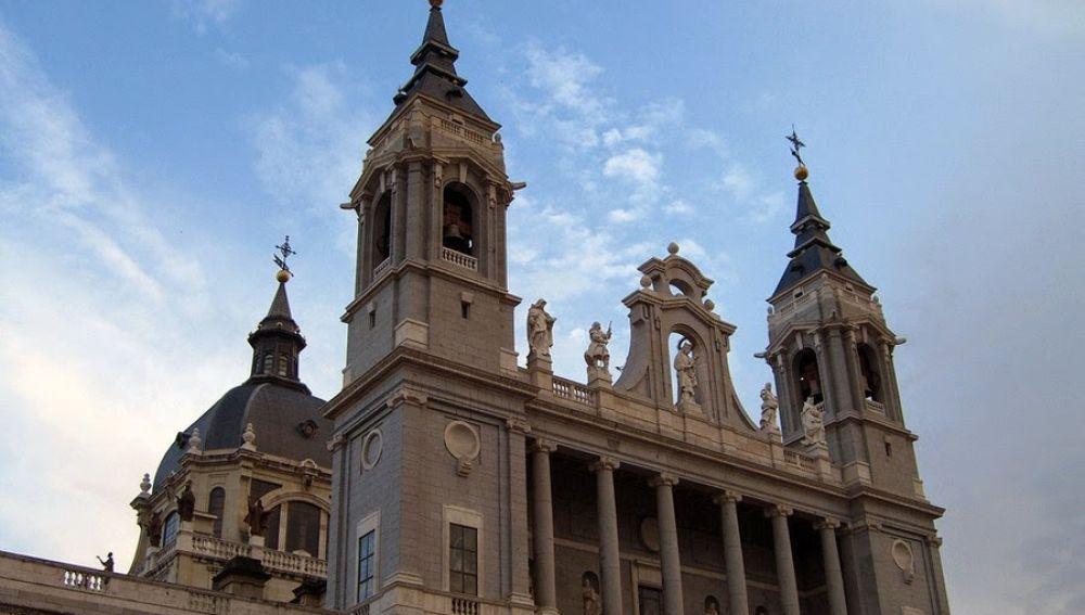 Fachada de la Catedral de La Almudena